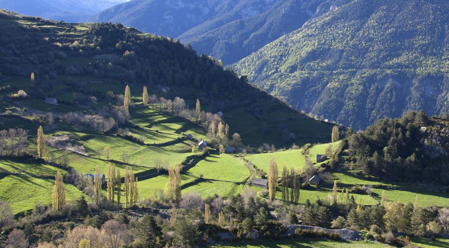Viajes por el Pirineo, travesías y trekking a pie