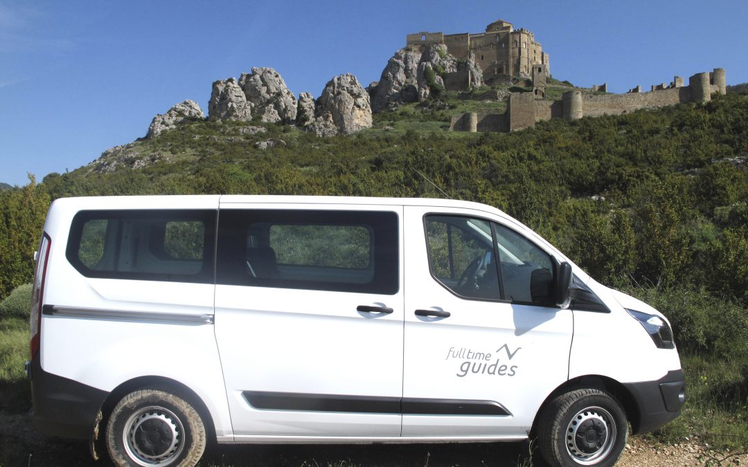 Excursions in the Reino de los Mallos region complete with a local guide and a vehicle