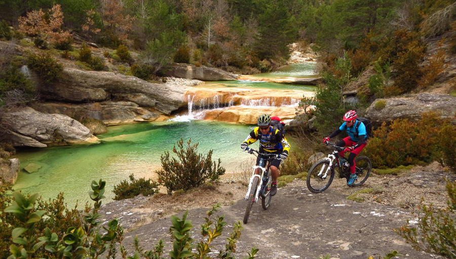 Singletrack MTB 4 stagesPre-pyrenean All mountain